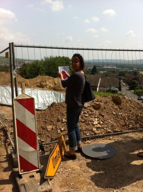 De bouwput wacht op de kelderbouwer - Baugrube wartet auf Keller